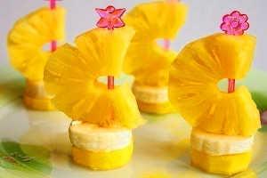 Кораблик из ананаса