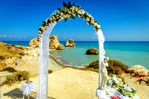 Свадебная арка из цветов