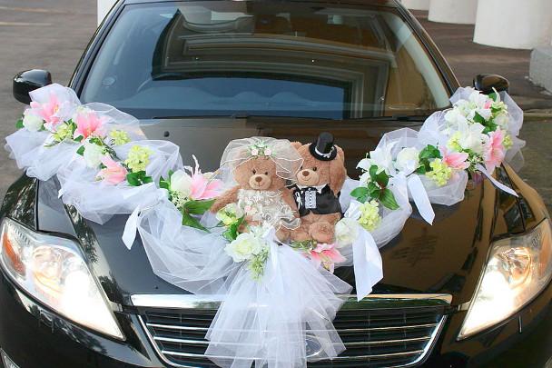 Медвежата Тедди на свадебной машине
