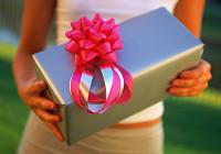 Оригинальные подарки молодоженам на свадьбу