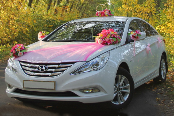 Как украсить машину на свадьбу
