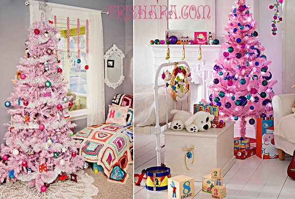 Розовые ёлки в комнате девочки