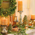 Свечи в музыкальном стиле на камине