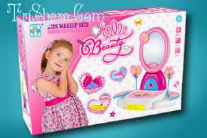 Детский набор для наведения красоты с косметикой