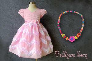 Платье и детские украшения