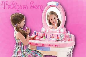Детское трюмо с косметикой