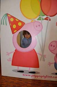 Фотозона свинки Пеппы