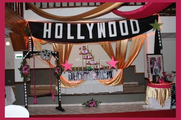 Оформление входа с надписью Hollywood