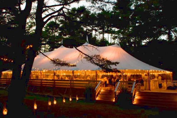 Освещение в свадебном шатре