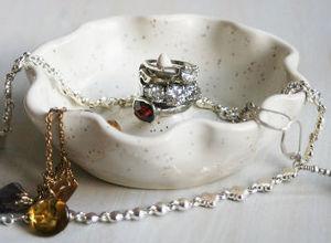 Подарки жене на фаянсовую свадьбу: подставка для украшений