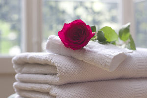 Мягкое белье в подарок друзьям на розовую свадьбу