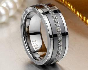Стальное кольцо в подарок