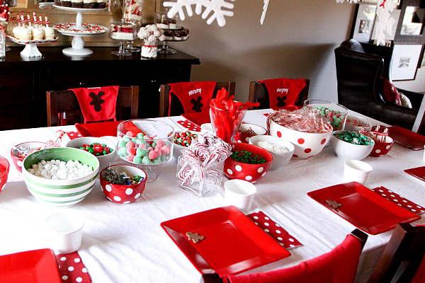 Салфетки и посуда